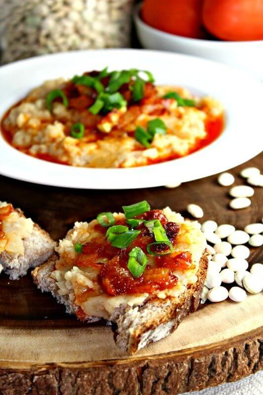 white bean dip with caramelized onions