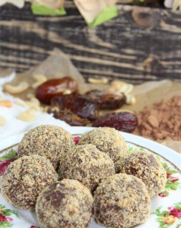 Cashew Chocolate Truffles