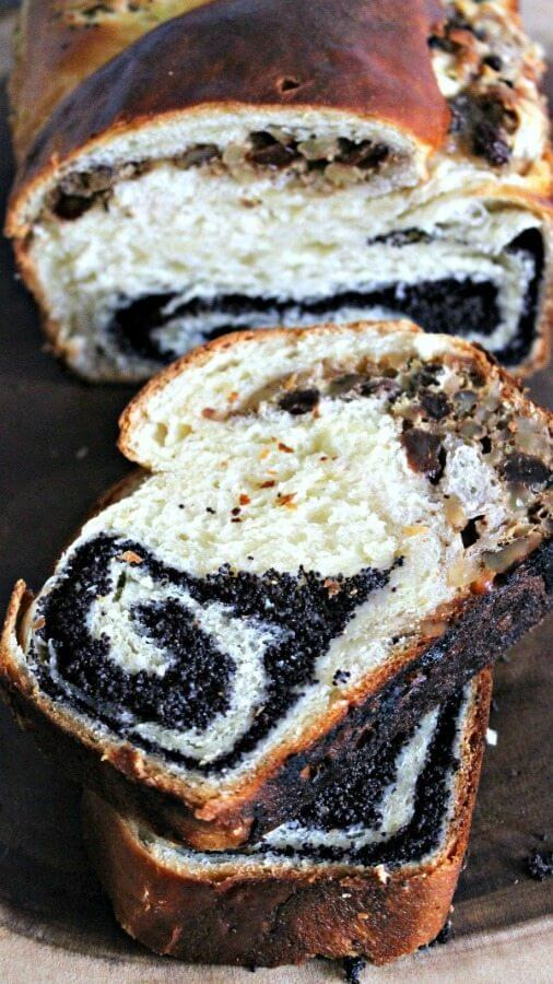 poppy seed and walnut roll bread