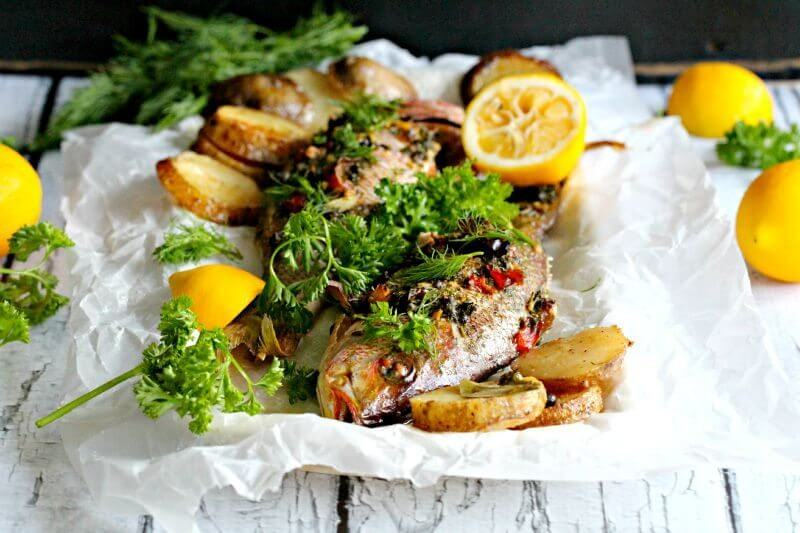 A healthy dish I recommend to busy families, this one pan whole roasted red snapper with potatoes is easy, flavorful and easy to make.