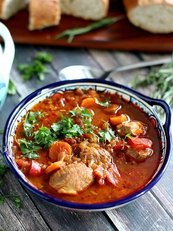 slow cooker pork goulash
