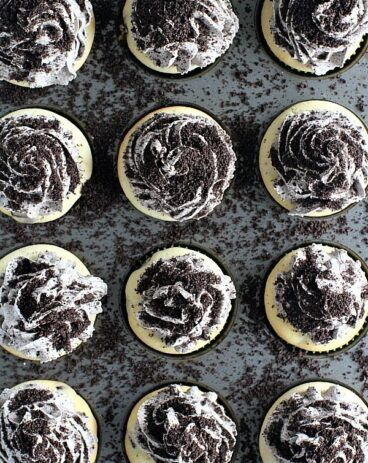 Mint Chocolate Chip Oreo Cupcakes