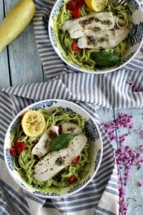 zucchini noodles with avocado sauce 8005