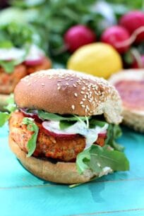 Lemon Dill Spicy Salmon Burger 8015