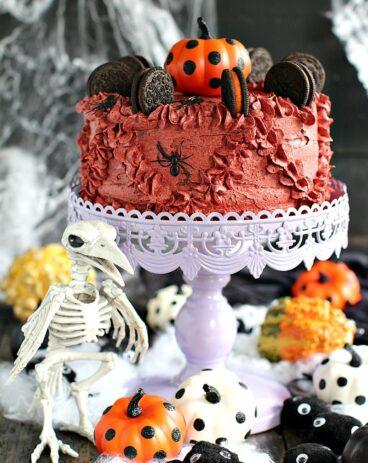 Pumpkin Oreo Cake
