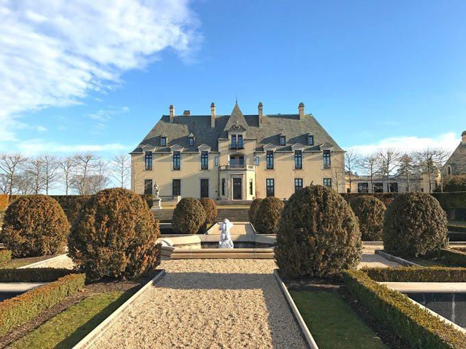 A memorable and amazing stay at Oheka Castle in Long Island where old time charm meets new world beauty and accommodations.