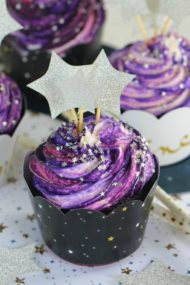 Galaxy Cupcakes are made easy and fun without coloring the buttercream.