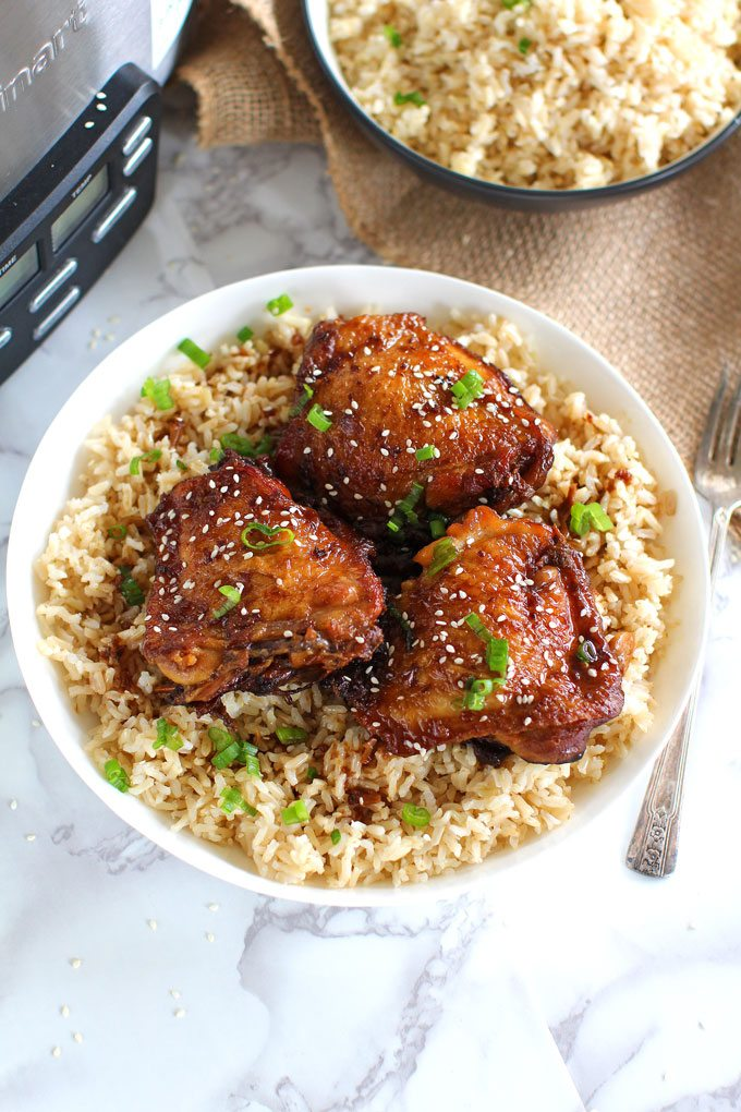 Slow Cooker Garlic Sesame Chicken requires minimum prep work and is full of flavor. Loaded with lots of garlic and perfectly juicy.
