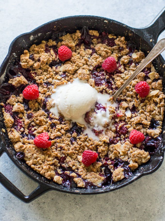 Mixed Berry Crisp with raspberries and blueberries, is such an easy and delicious recipe that anyone can easily make. Juicy berries, under a sweet, crisp, golden crust!