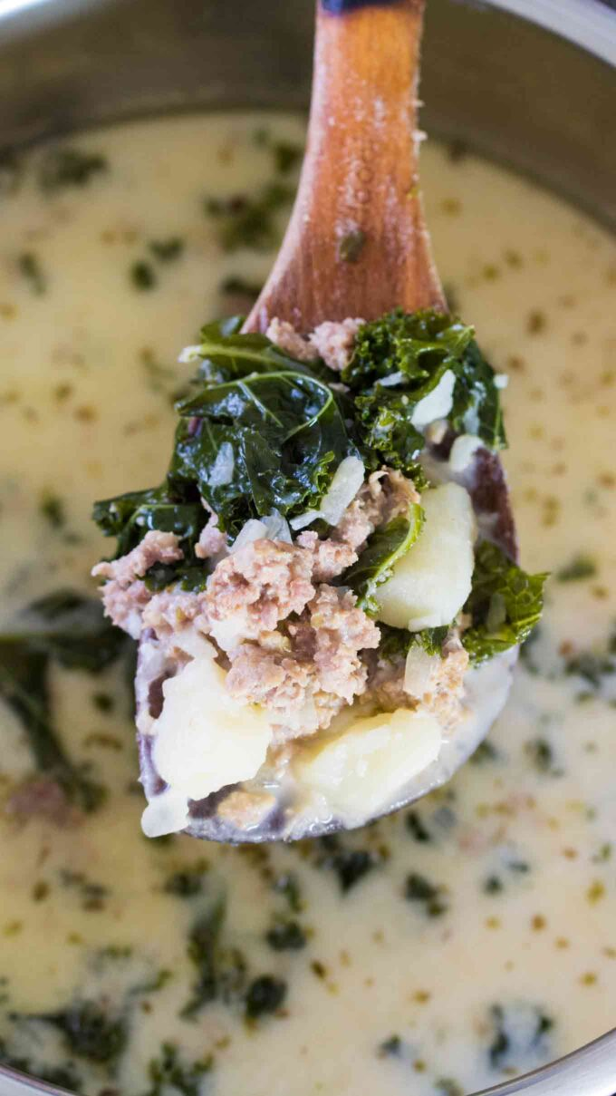 Image of instant pot zuppa toscana.