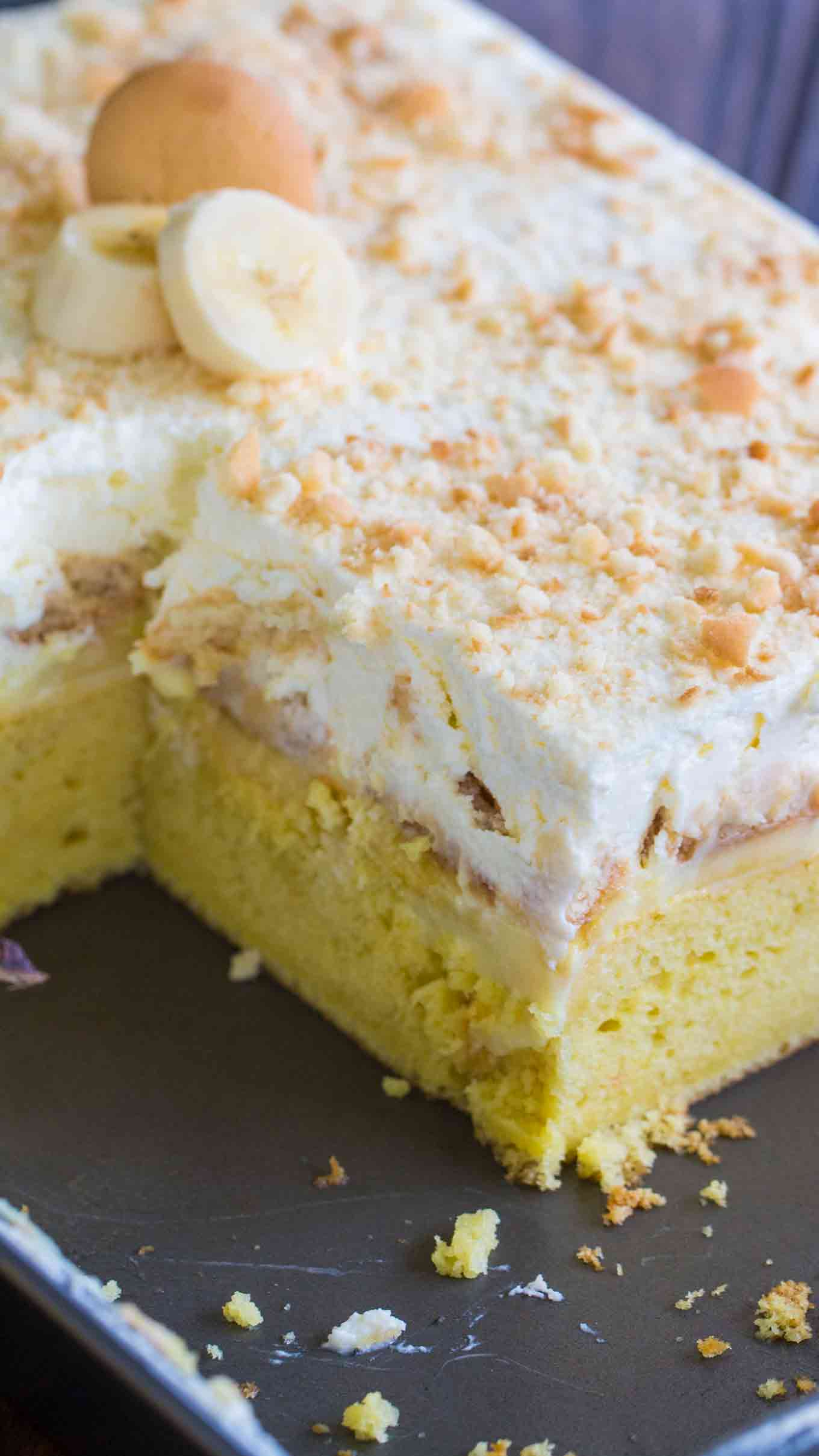 banana pudding cake recipe easy banana pudding poke cake sweet and savory meals 1484