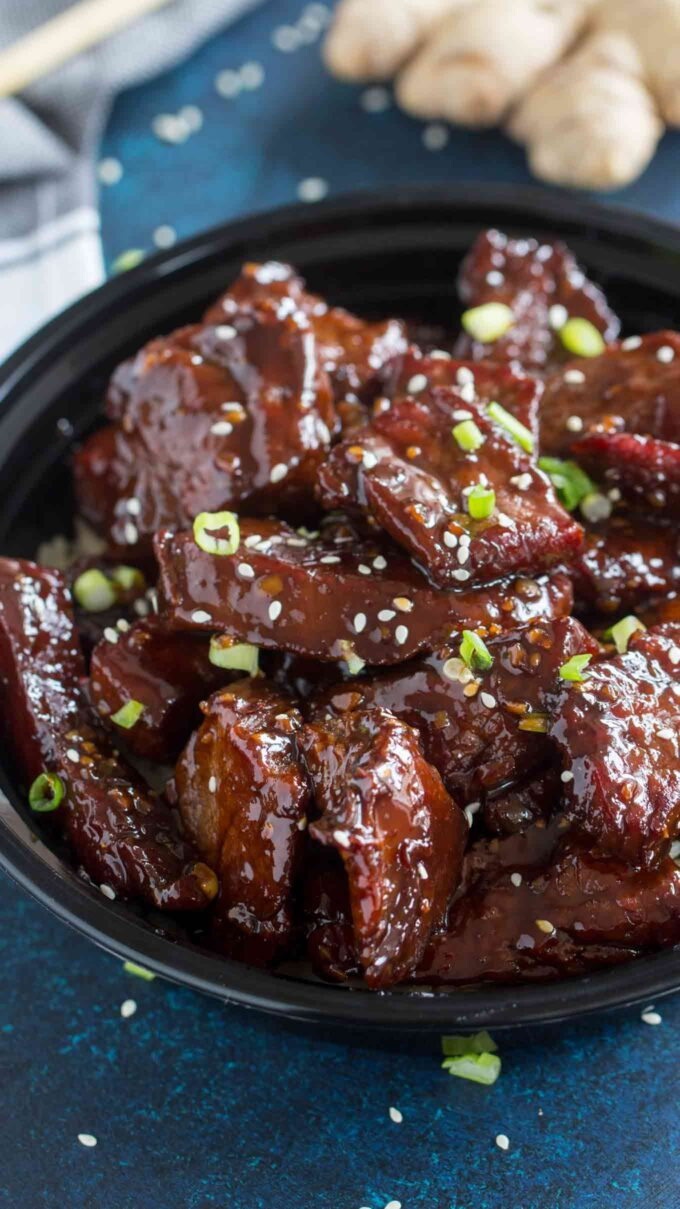 Image of sticky honey garlic beef in a bowl.
