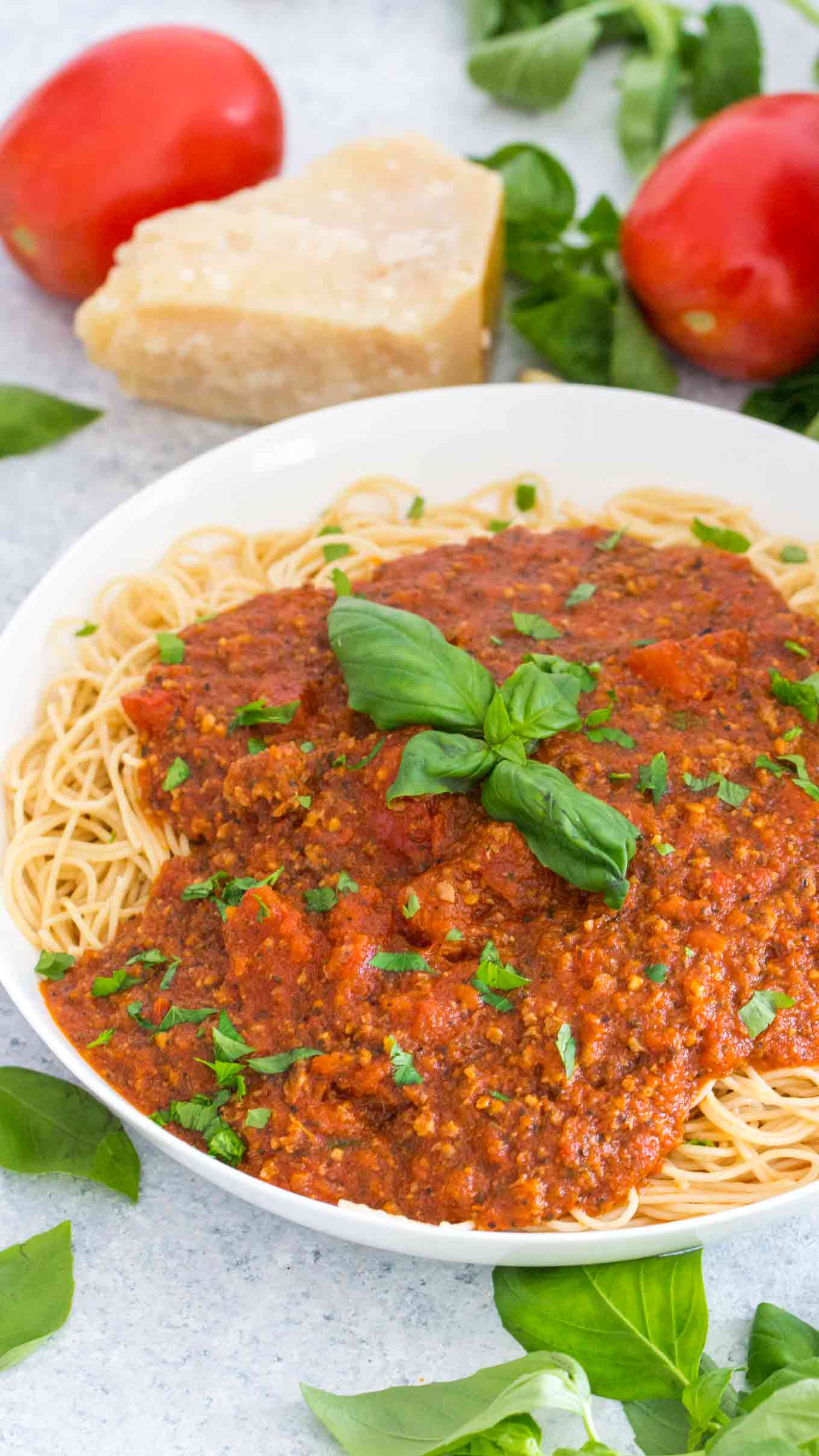 How to make homemade spaghetti sauce with diced tomatoes