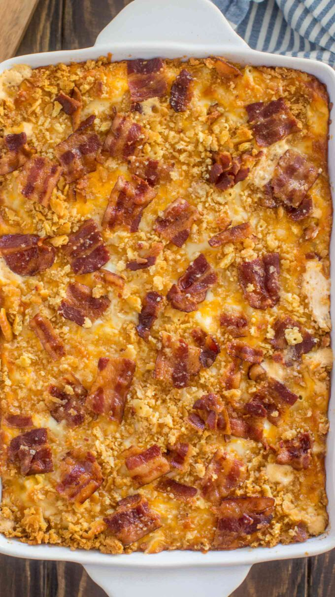 image of mac and cheese casserole topped with bacon