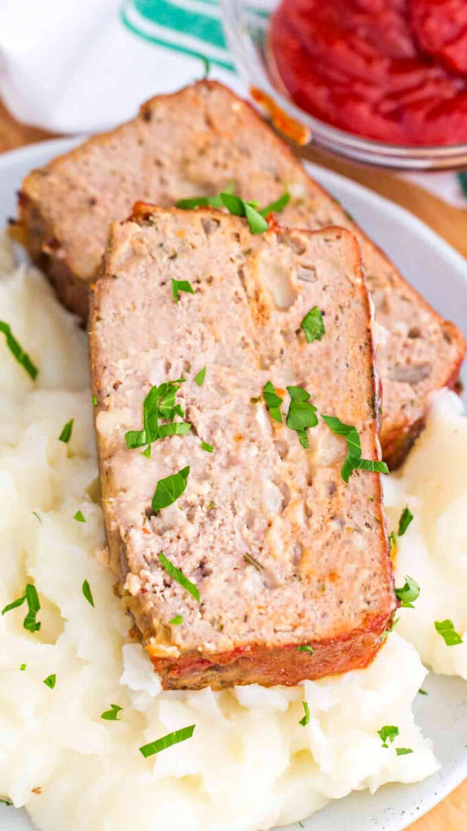 Juicy homemade turkey meatloaf slice