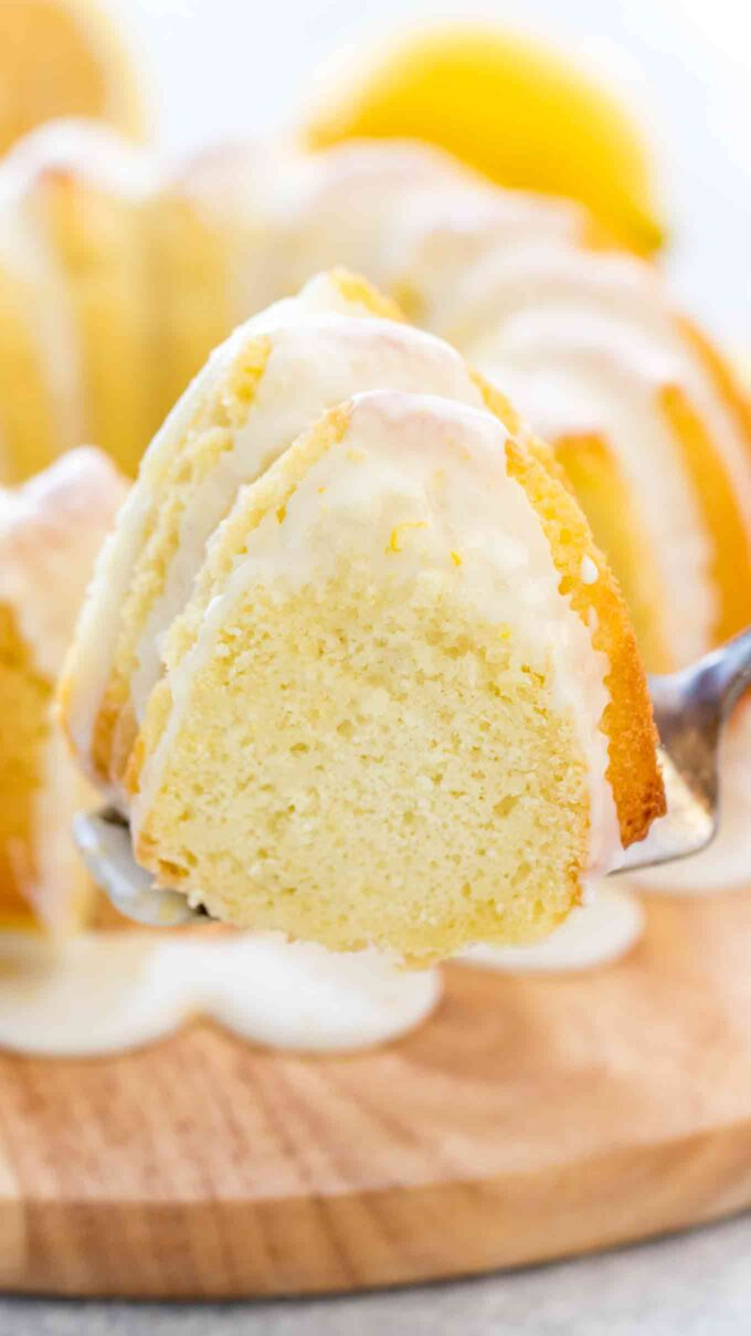 Lemon Bundt Cake with Lemon Juice and Zest
