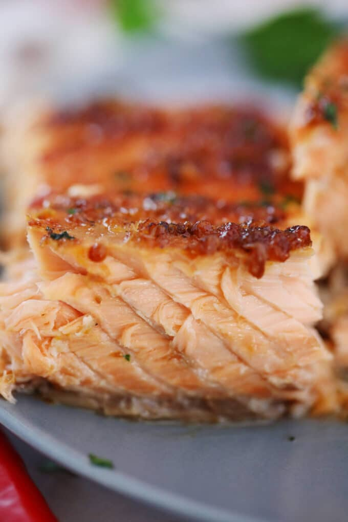 Image of baked salmon fillet on a plate.