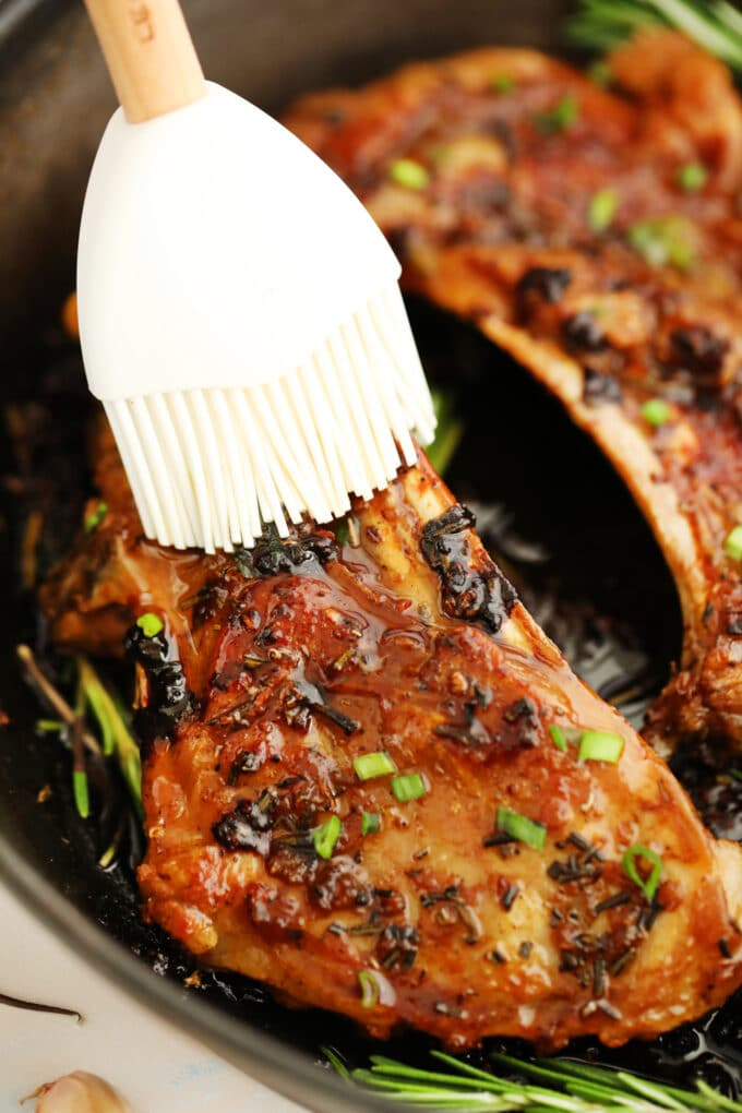 One pan garlic brown sugar lamb ribs photo.