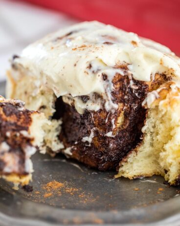 Fluffy Cinnamon Rolls with Cream Cheese Icing