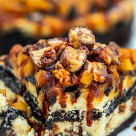 Apple Snickers Cheesecake