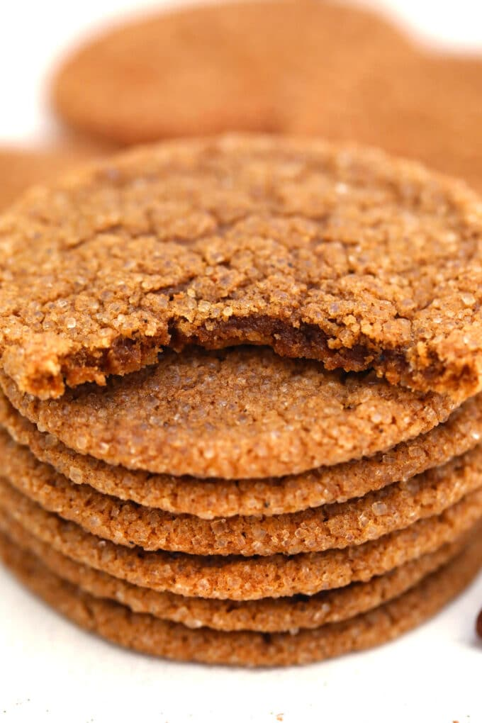 Molasses Cookies are soft and chewy, with the perfect balance of spice! #cookies #molassescookies #chrisymas #christmascookies #sweetandsavorymeals