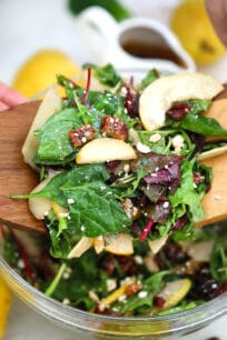 Pear Salad is the best salad for autumn and winter! Make the best out of this fruit by preparing this light and refreshing side dish for your savory meals! #salad #fallrecipes #pear #pearsalad #sweetandsavorymeals
