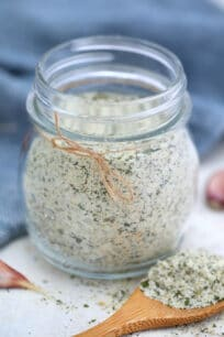 Ranch Seasoning Mix is milky and tangy with all sorts of flavors that make everything taste better! #ranch #ranchseasoning #sweetandsavorymeals #seasoningmix #homemaderanch