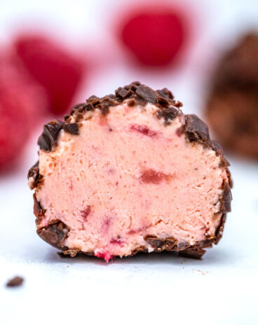 Keto Strawberry Cheesecake Fat Bombs