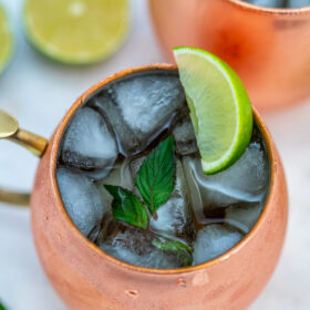 Moscow Mule is a cocktail that is perfect for any holiday party made with just three ingredients! #moscowmule #drinks #cocktails #sweetandsavorymeals #partyrecipes