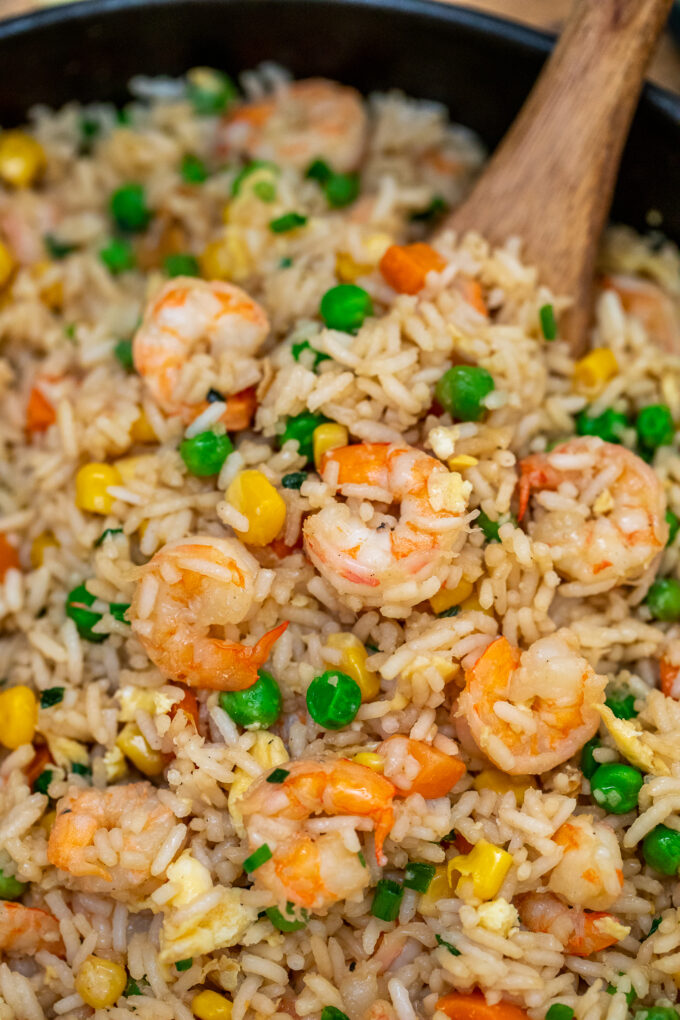 image of shrimp fried rice with veggies in a pan
