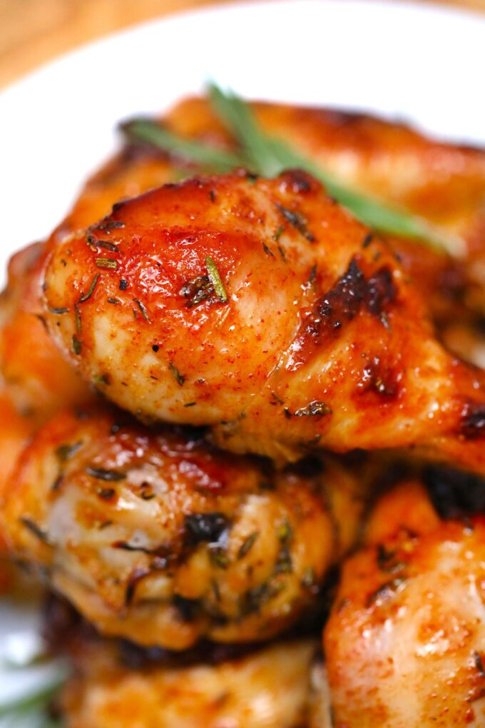 Baked Chicken Legs are tender, juicy, and perfectly caramelized! Have perfectly seasoned chicken legs for a quick dinner with just a few basic ingredients! #chicken #chickenlegs #chickenrecipes #sweetandsavorymeals #dinnerideas