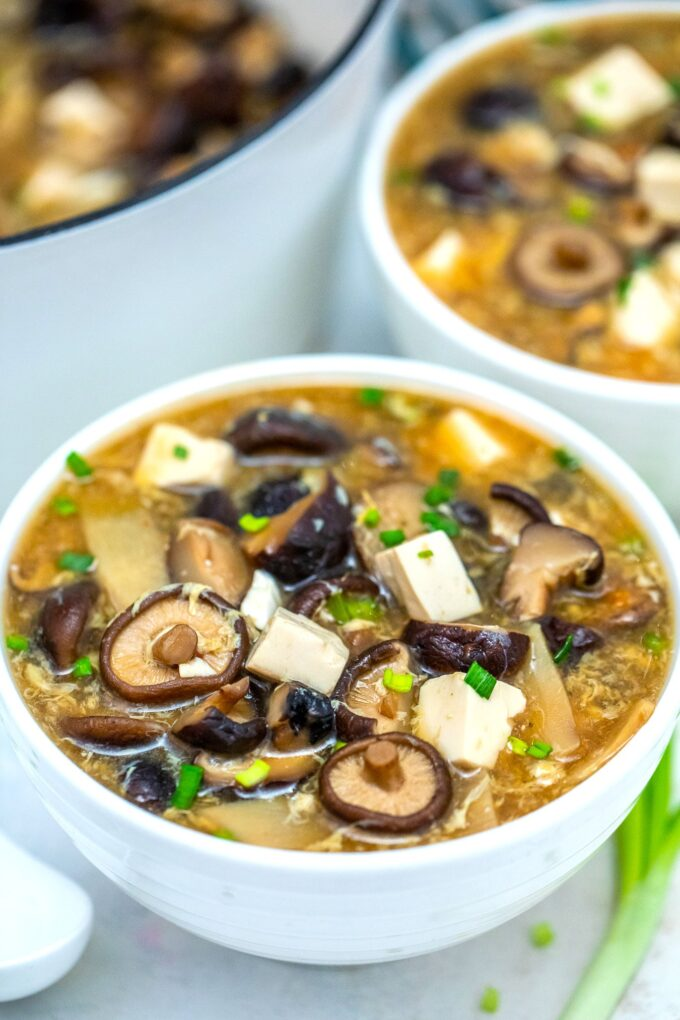 Hot and Sour Soup is a versatile soup that is hearty but with only a few calories! #soup #hotandsoursoup #chinesefood #chineserecipes #sweetandsavorymeals