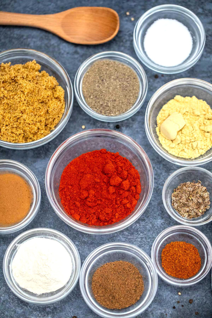 photo of spices used to make homemade barbecue rub