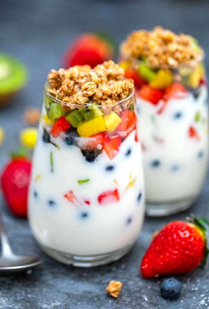 image of yogurt parfaits and fruits