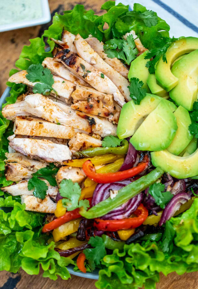 photo of chicken fajita salad