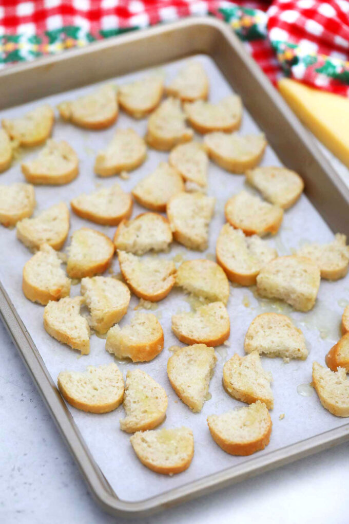 Image of how to bake croutons.