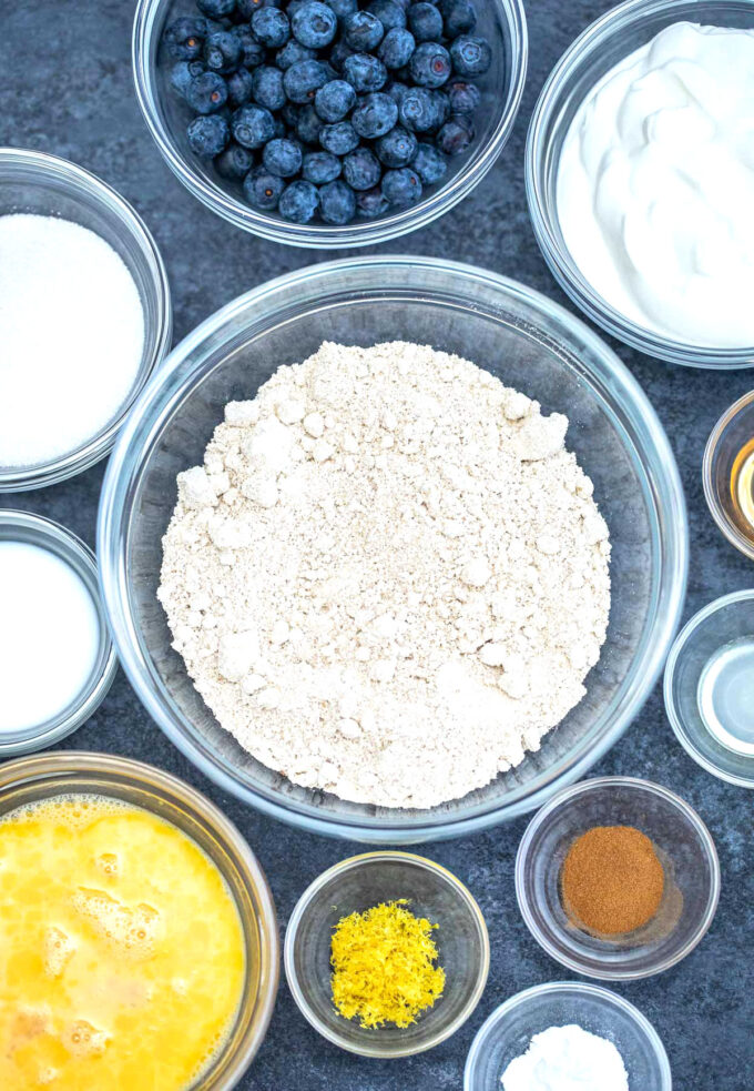 Image of oatmeal pancakes ingredients.