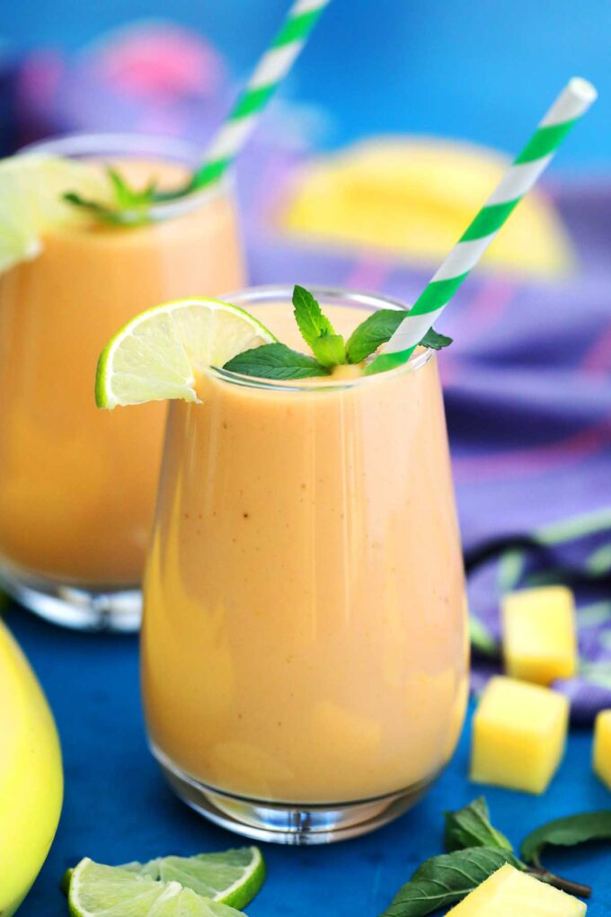 Image of mango smoothie with lime.