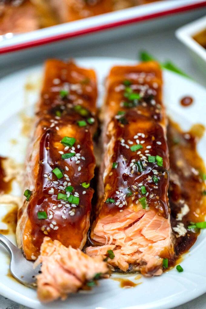 Picture of teriyaki salmon slices.