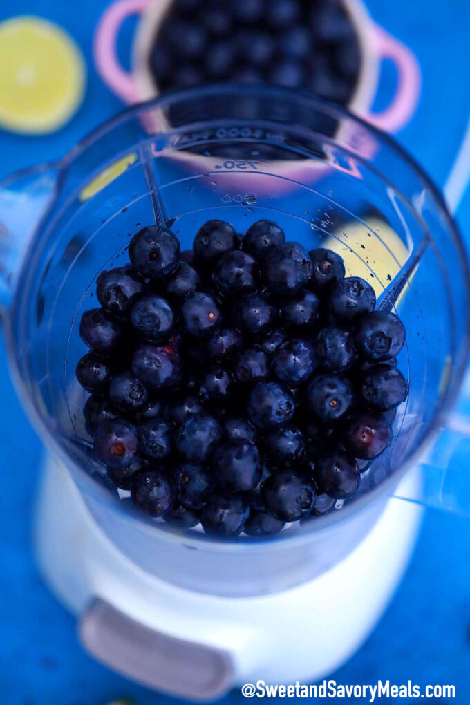 Photo of how to make blueberry margarita with fresh blueberries.