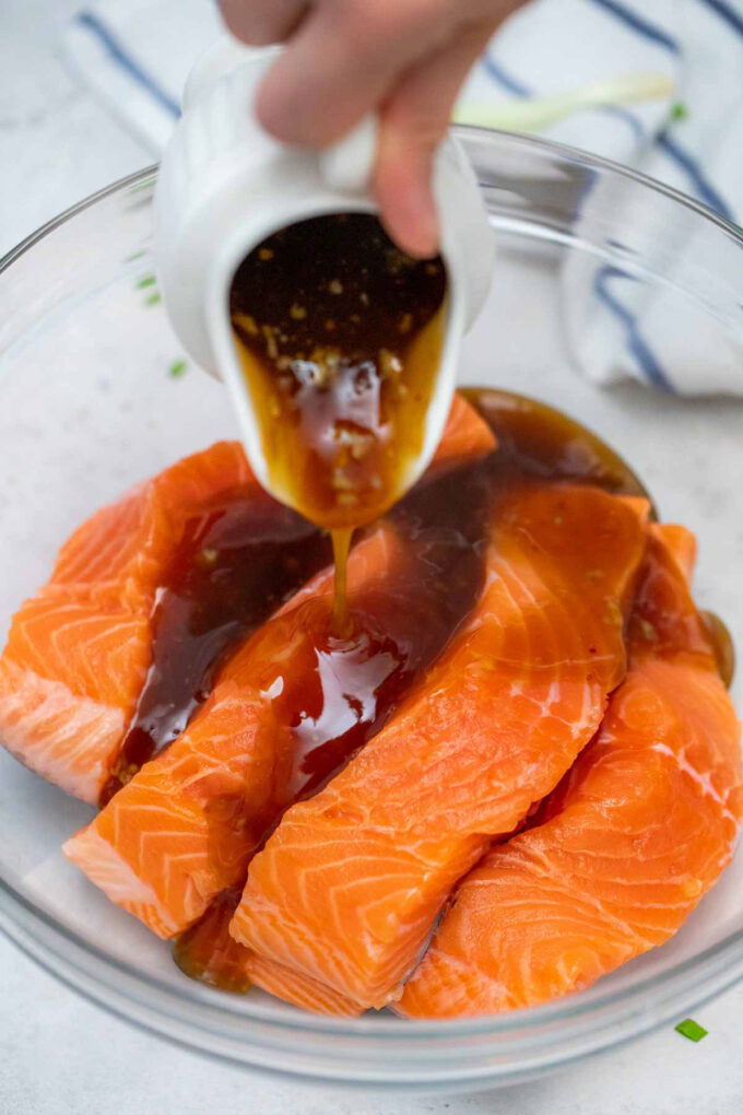 Image of teriyaki salmon sauce.