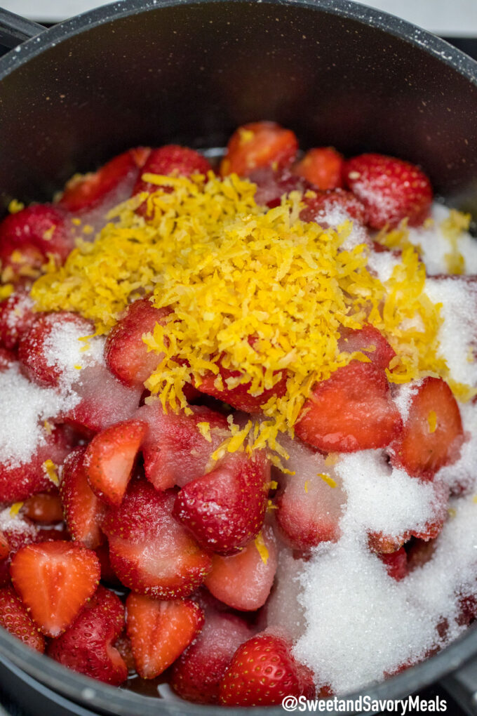 Picture of strawberry cobbler filling.