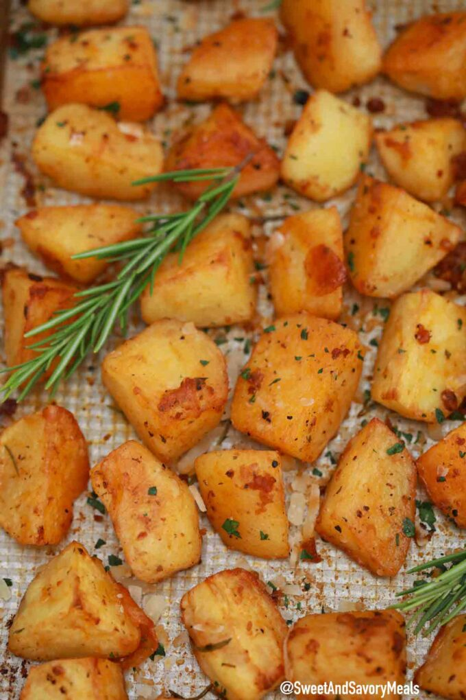 crispy garlic roasted potatoes with rosemary