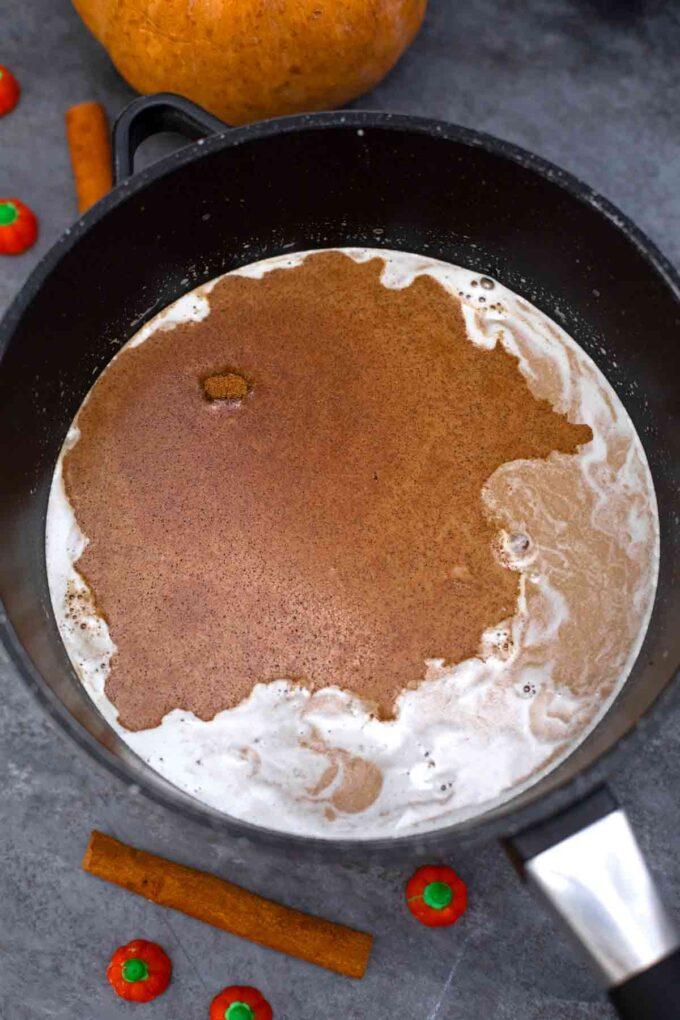 making pumpkin pie latte