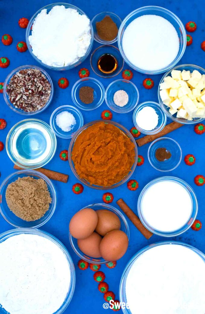 Pumpkin sheet cake ingredients.