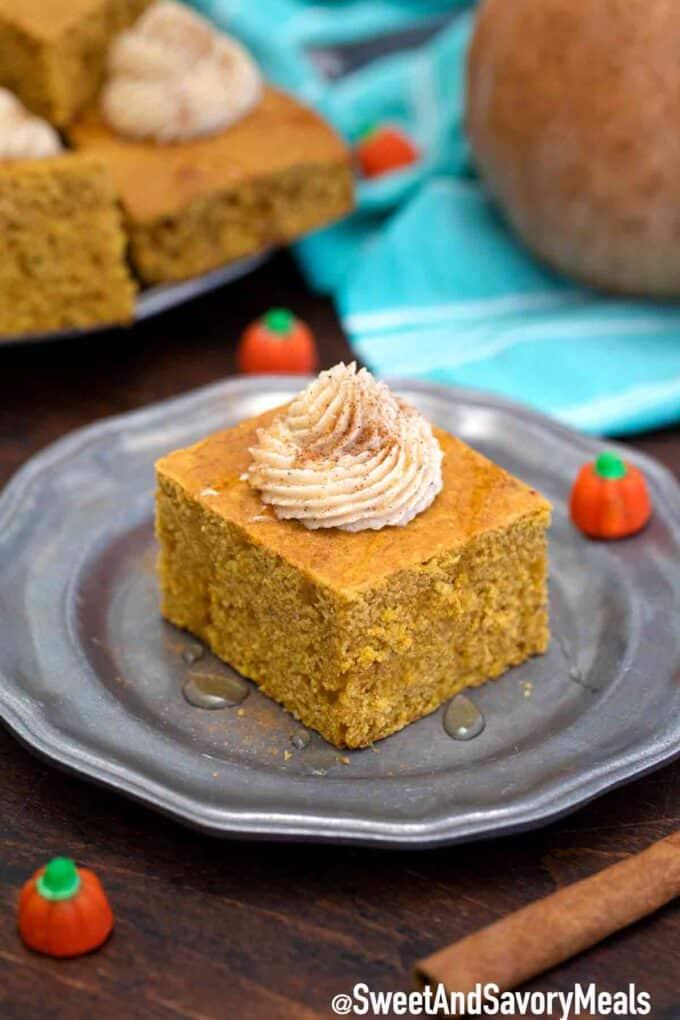 pumpkin cornbread slice