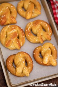 baked soft pretzels with sea salt