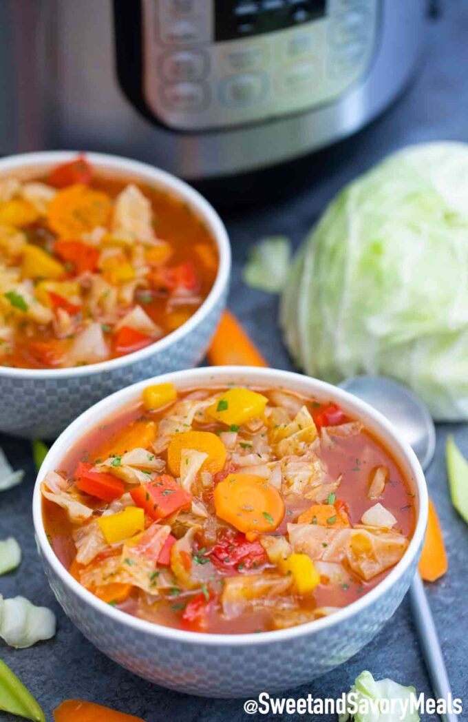 instant pot cabbage soup in bowls