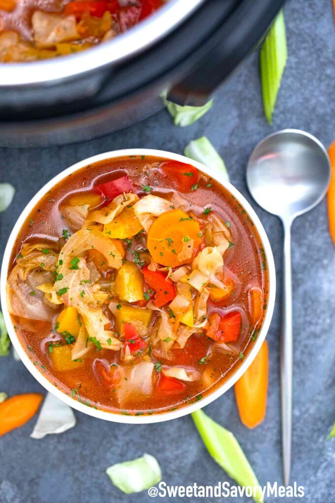 instant pot cabbage soup with veggies