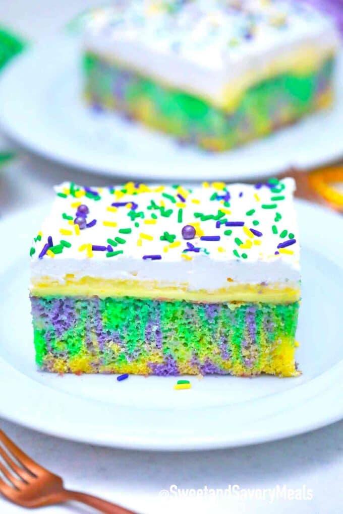 king cake poke cake